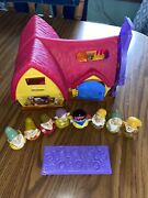 Disney Fisher Price Little People Snow White Cottage With 8 Figures Set