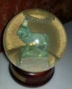 Snow Globe Art Institute Chicago 100 Years Of Lions 1993 Birthday Hat Wood Base