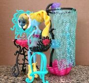 Monster High Playset Bathroom Furniture Lot W/ Lagoona Blue Doll And Pet Fish