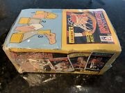1992-93 Panini Stickers Basketball Unopened Box 100 Packets, 6 Stickers Each.