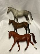 """Vtg Lot Of 3 Breyer Molding Co 6"""" Plastic Horse Gray Chocolate Brown Toy Horses"""