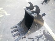 New 18 Excavator Bucket For A John Deere 50d With A Zts Coupler