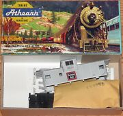 Athearn 178 John Henry Lines Extended Vision Caboose Kit Burlington Route 10635