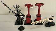 Lot Vintage Lionel Metal Railroad Crossing Gates Lamp Posts Signs Free Shipping