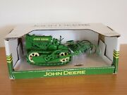 1/16 John Deere Lindeman Crawler With Cultivator - Speccast Collectibles Andnbspjdm190
