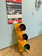 Eagle Durasig Red Yellow Green Traffic Signal Light With Weather Covers 42h