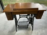 1928 Singer Sewing Machine With Table