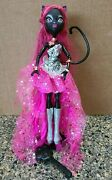 Monster High 13 Wishes Catty Noir Doll With Boots, Jewelry And Stand
