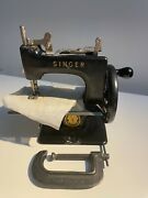 Singer Sewhandy Model 20 Vintage Mini Childand039s Sewing Machine Rare Sold As Is