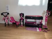 Monster High Dead Tired Draculaura Jewelry Box Coffin Bed And Powder Room Lot