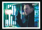 Skyfall 2013 James Bond Autographs And Relics Gold 39 012/100