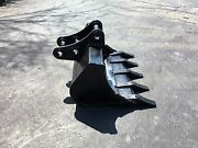 New 30 Excavator Bucket For A Case Cx31b With Pins