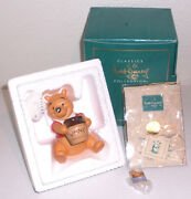 Walt Disney Classics Collection Wdcc Winnie The Pooh And The Honey Tree Figurine