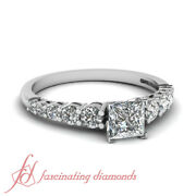 Graduated Round Diamond Rings For Women With Princess Cut In Center 0.90 Ct Gia