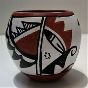 Signed Vintage M Toledo Jemez Pueblo Native American Pottery Pot 3 1/2