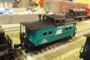 Penn Central Pc 18422 N-scale Custom Painted Caboose