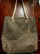 Nwt Jet Set Tote And Matching Wallet Free Shipping