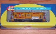 Athearn 7451 Bay Window Caboose Union Pacific Up 24528 You Permost In Safety