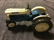 4000 Ford Ertl Die Cast Toy Tractor Narrow Front Wheels