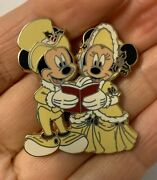 """Victorian Christmas Carolers Mickey Minnie Mouse Disney Pin 2008 """"first Release"""""""
