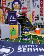 Nfl Teenymates Seattle Seahawks Coach Figure Exclusive To 2019 14-pc Set