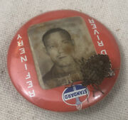 Vtg Standard Oil Co Wood River Refinery 1.75 Gas Station Employee Picture Badge