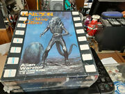 Halcyon Movie Classics Alien Warrior W/base And Egg Model Kit 1/9 Scale