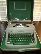Vintage 1950's Royal Quiet Deluxe Portable Typewriter In Case