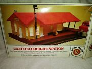 New Bachman Lighted Freight Station 46216 In Ho Scale.41