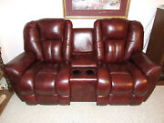 La-z-boy Beautiful Motorized Leather Love Seat In Mint Cond. I Paid Over 4200