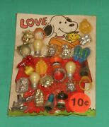 Vintage Vending Machine Card Display Snoopy And Woodstock Rings Charms Jewelry