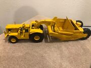 1/24 Vintage Caterpillar Dw10 Scrapper And Pull Tractor By Reuhl Toys Ruehl Toy