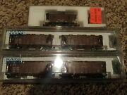 Kato Lot Of 3 N Scale 2 Atandsf 70' Covered Hoppers 186-0102 And 186-0103 And Caboose
