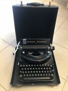 Underwood Noiseless 77 Vintage Typewriter In Original Case