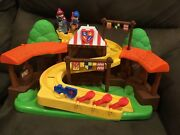 Fisher Price Little People Mike The Knight Klip Klop Arena With Two Characters
