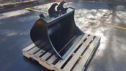 New 36 Clean Up Bucket For A John Deere 60 G With Zts Coupler With Bolt On Edge