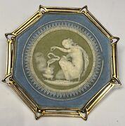 19th Century Wedgwood Porcelain Plaque 9ct Yellow Gold Frame Pin