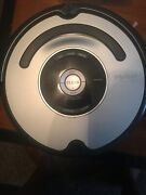 Irobot Roomba 560 Robot Vacuum Only For Parts Or Repair As Is