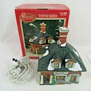 Vintage Dickens Collectables Chemist Lighted House Towne Series Lloyds 1998