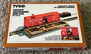 Sealed Tyco 930 Freight Unloading Box Car, Ho Scale