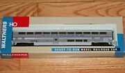 Walthers 932-6101 85' Superliner Ii Coach Amtrak Phase 4