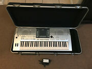 Yamaha Psr S710 Arranger Keyboard And Skb Case W/ Wheels - Excellent Condition