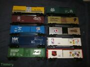 Lionel Freight Cars Large Lot Of 10 Box Cars Nice
