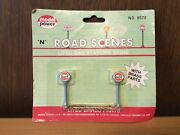 N Scale Model Power 8578 Gulf Lighted Gas Station Signs Road Scenes