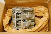 New P/n 0438595 Cylinder And Crankcase Assy. Evinrude Johnson Brp 438595.