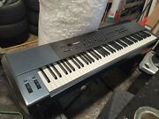 M-audio Oxygen 88 Midi Keyboard Contoller With Weighted Keys With Stand