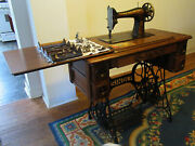 Antique 1913 Singer Treadle Sewing Machine In Cabinet With Cast Iron Legs Nice