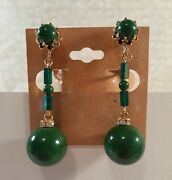 Earrings Vendome Vintage Emerald Green And Gold Tone Dangle Clip On Bugle Bead