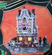 Lemax Spooky Town Village Undertaker Very Rare Retired Great Condition Dept 56