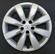 One Wheel Cover Hubcap 2014-2018 Toyota Corolla 16 Silver 61172 Used